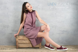 Linen dress with buttons in purple color. Linen Fashion by Siulas. Made in Lithunia, Europe