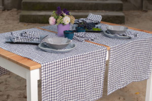 Linen table runner in violet checks, washed, soft. Manufacturer: AB 'Siulas'. Produced in Lithuania