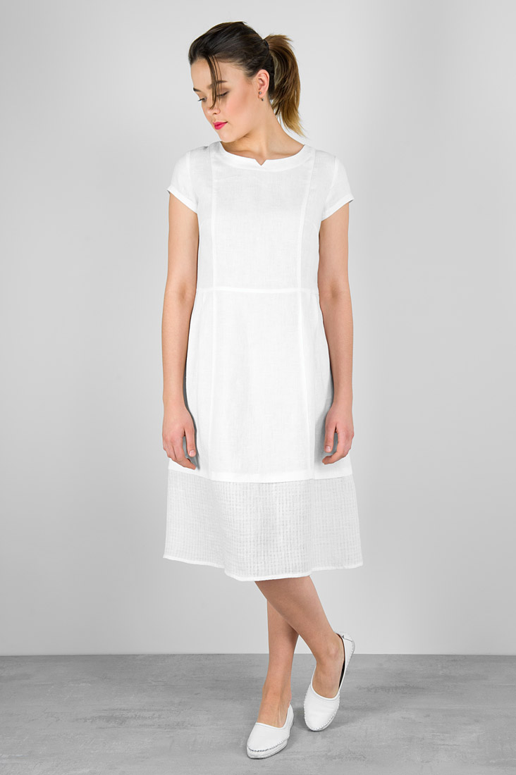 "White linen dress. Manufacturer: AB ""Siulas"""