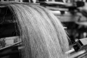 how yarn is made - linen fiber heckling - AB Siulas